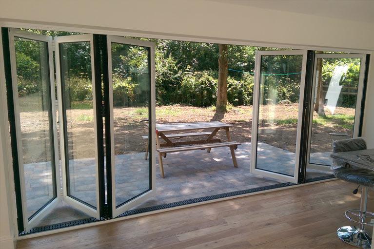 modern-house-builders-grand-designs-1